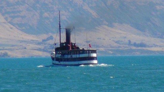 Real Journeys - TSS Earnslaw Vintage Steamship Cruises: Lady of the Lake