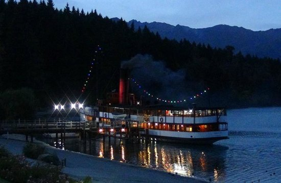 Real Journeys - TSS Earnslaw Vintage Steamship Cruises: Evening on the lake