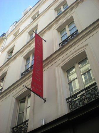 Hotel de Londres Eiffel : Outside hotel
