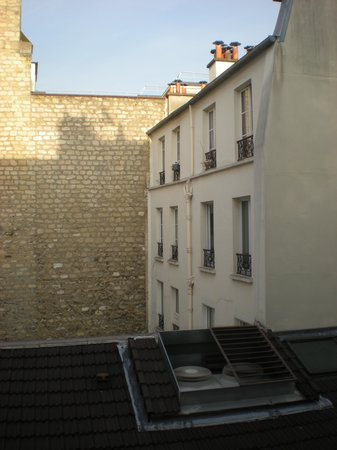 Hotel de Londres Eiffel : View from Room