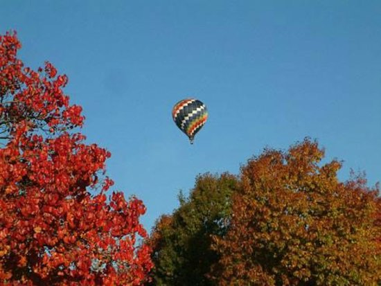 Keswick Hall: Balloon rides are not included in your resort fees, but worth it