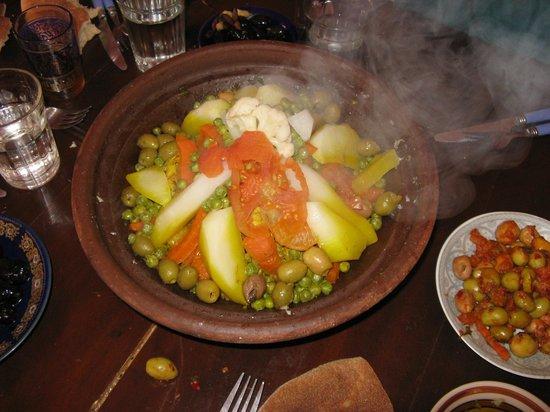 Riad Miski: tagine (uitstap Atlas gebergte, eten bij Berber familie)
