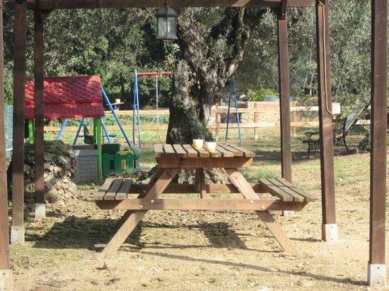 Can Gual: parque infantil