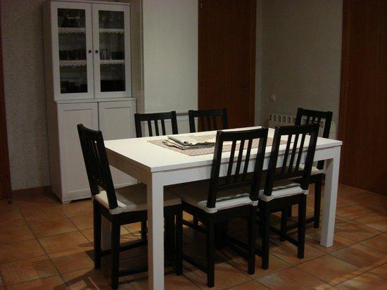 Can Gual: comedor del apartamento