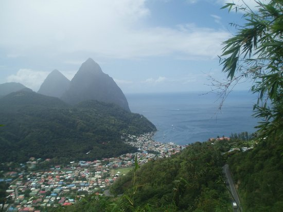 Coco Palm Resort : Pitons from the land