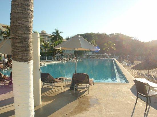 Dreams Huatulco Resort & Spa : Infinity Pool