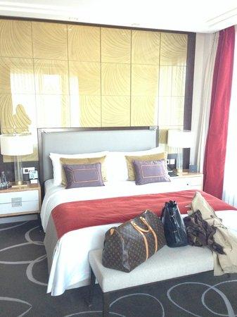 Waldorf Astoria Berlin: King size suite