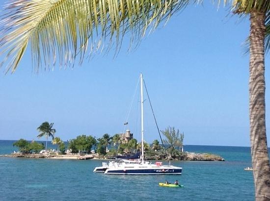 Couples Tower Isle: Catamaran and Tower Isle
