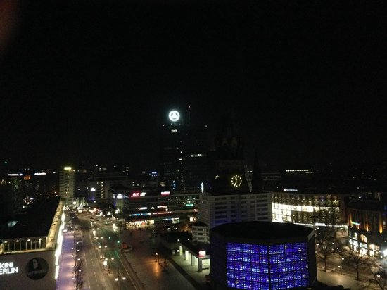 Waldorf Astoria Berlin: room with a view at night
