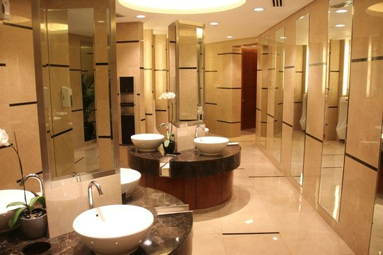 Grand Hyatt Kuala Lumpur : Toilets in lobby on ground floor