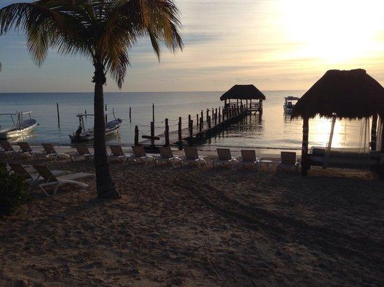 Azul Beach Resort Riviera Maya : The golden sandy beach