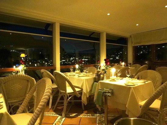 Restaurante lindo e romântico! - Picture of Terrazza Brunella, Capri ...