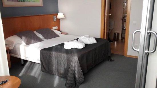 Aparthotel Atenea Valles: Cama habitación superior