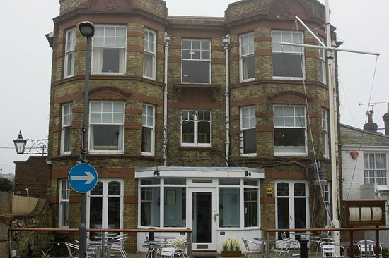 Seaview Hotel: From the front