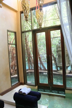 The Baray Villa : Living Room