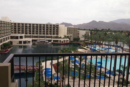 JW Marriott Desert Springs Resort & Spa: level 2 lobby view