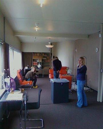 Sonneveld House: Living room