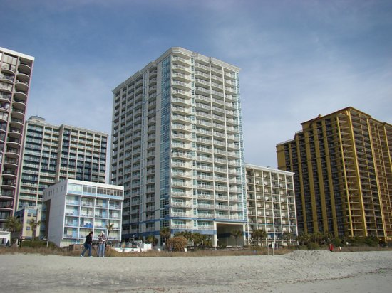 Carolinian Beach Resort: hotel from beach