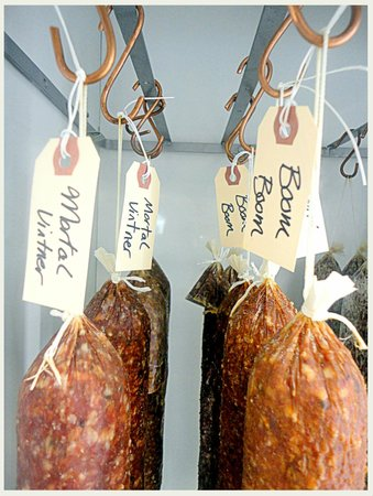 Cugini Import Foods : house salami