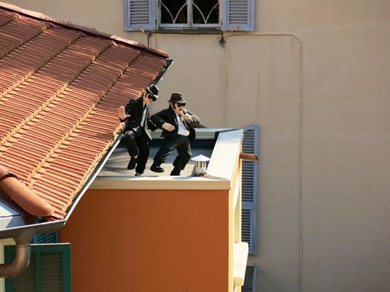 Hotel Durante: players on the roof