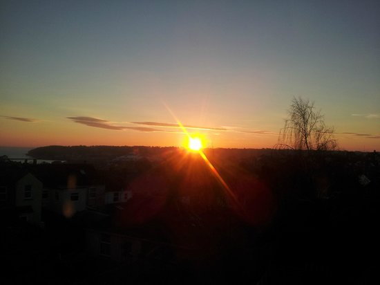 One fifty Cowes: Sunrise from the Culver room