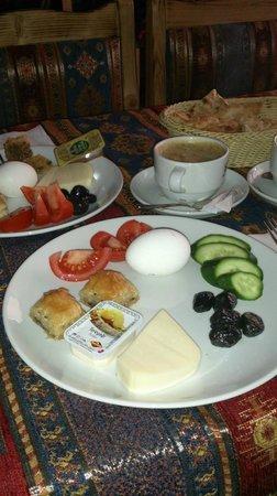 Şiva Cafe Restaurant: Frühstücksteller