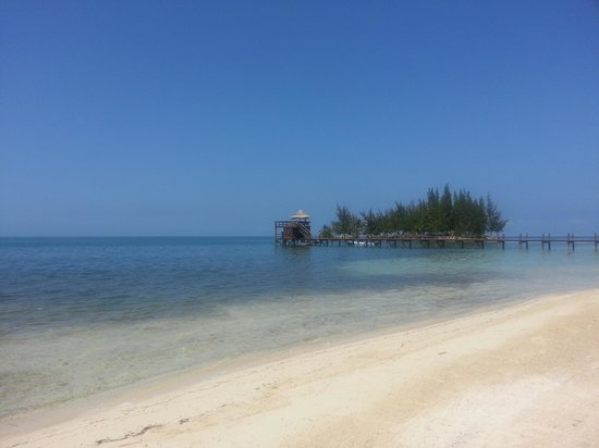 Palm Beach Roatan: pretty but unsafe
