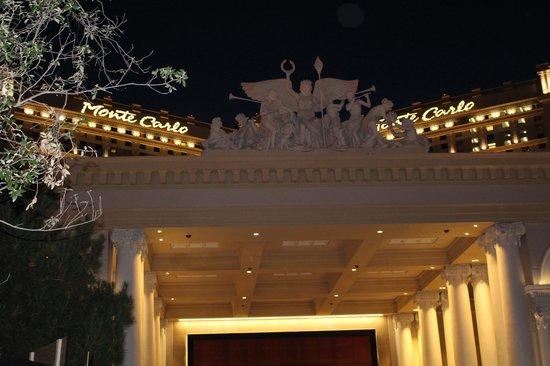 Monte Carlo Resort & Casino: Street view