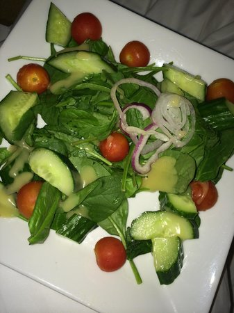 "Sonesta Fort Lauderdale Beach: Spinach Salad with ""green beans & candied walnuts""???"