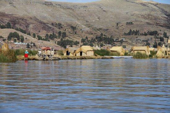 Libertador Lake Titicaca: hover