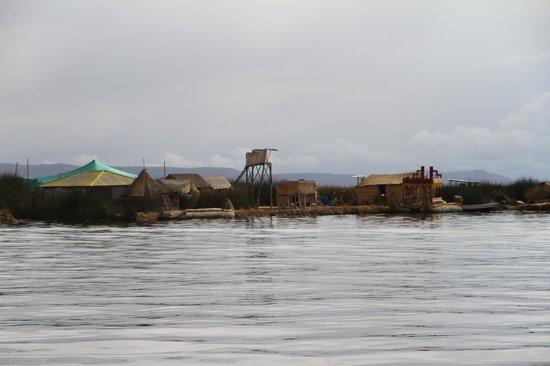 Libertador Lago Titicaca: hover