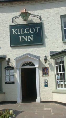 The Kilcot Inn: Entrance