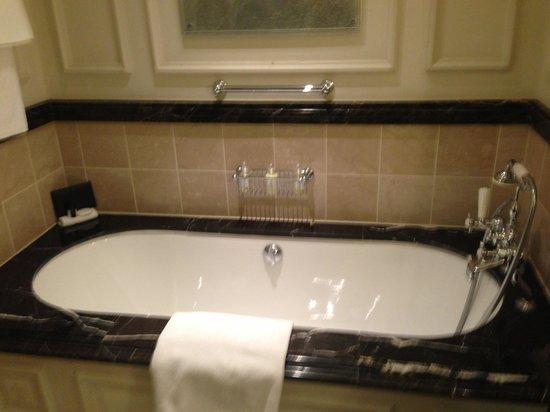 The Langham, London : Bathroom