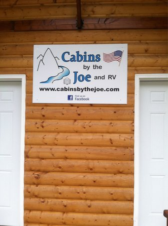 Cabins by the Joe and RV Park : Love these cabins!