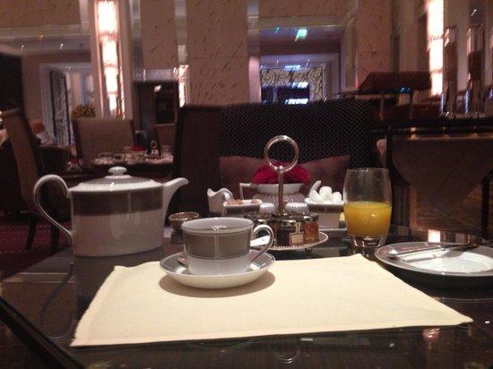 The Langham, London: Завтрак