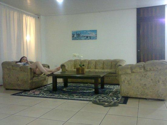 Farol Hotel: Uma ótima sala de estar no 4º andar do hotel...