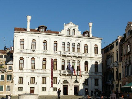 Ruzzini Palace Hotel: Front of hotel
