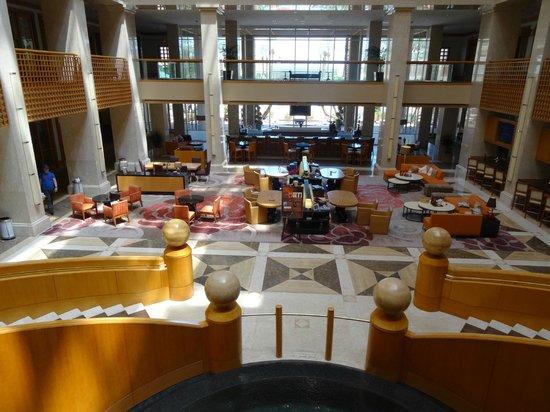 Renaissance Indian Wells Resort & Spa: vue depuis l'entrée dans l'hôtel