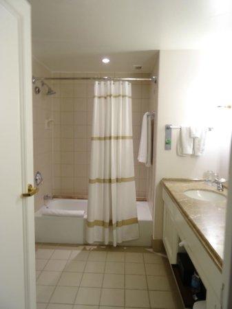 Renaissance Indian Wells Resort & Spa: la belle et grande salle de bain