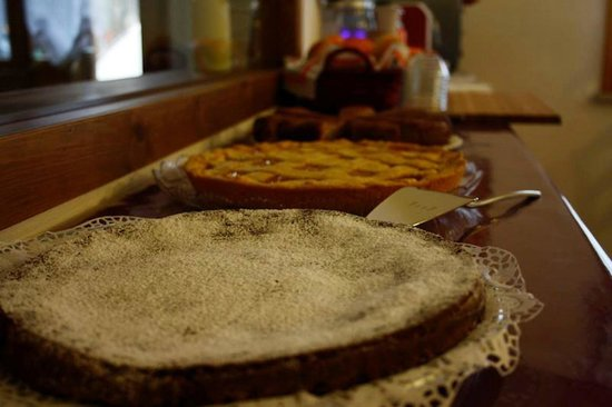 Cona, Italien: Torte