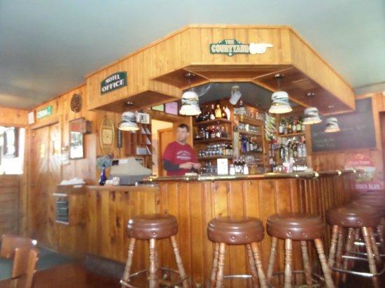 Eagle Harbor Inn - bar