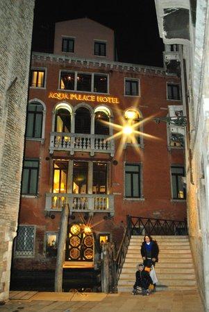 Aqua Palace Hotel : Noite fria em Veneza!