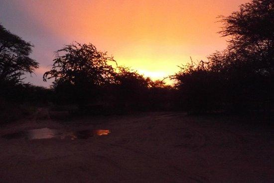 Leroo La Tau: Beautiful Sunset from Lodge