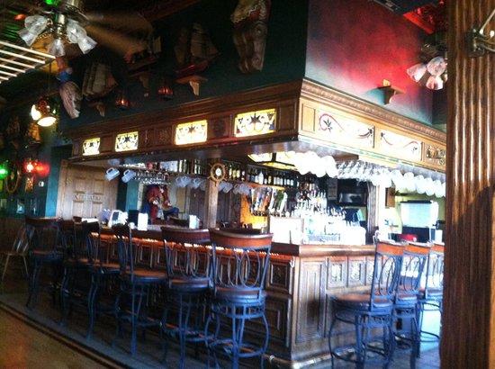 The Boathouse: Bar area