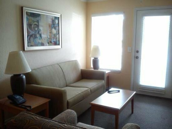 Mainsail Tampa Extended Stay: Comfortable Living Room