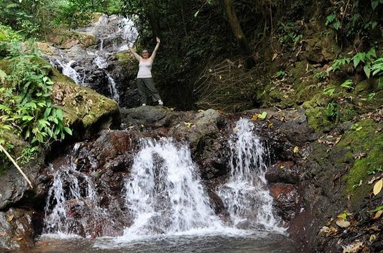 Parrita, Costa Rica: TINAS WATERFALL