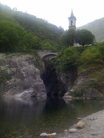 Ristorante Grotto Sant'Anna: Il Campanile sull'Orrido