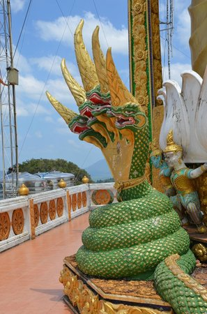 Tiger Cave Temple (Wat Tham Suea) : Пятиголовый змей