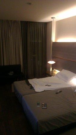 B-Hotel: B room