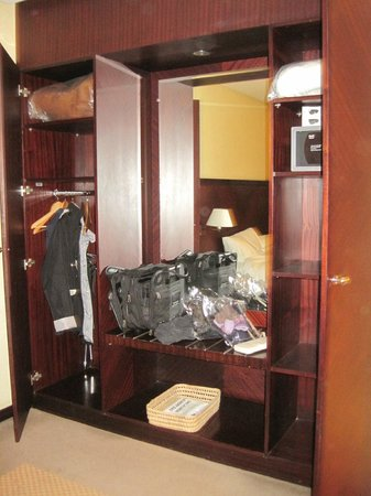Le Diwan Rabat - MGallery Collection : large closet space